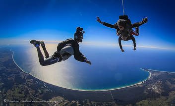 Skydive Byron Bay up to 15,000ft tandem skydive