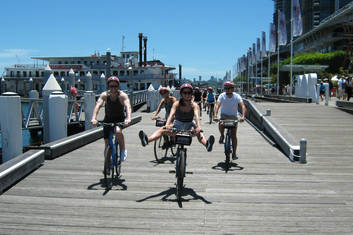Cruize along the Sydney Waterfront.