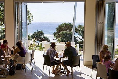 Stradbroke Island Beach Hotel Bistro