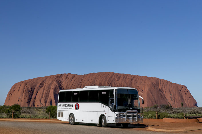 Uluru & Tour vehicle