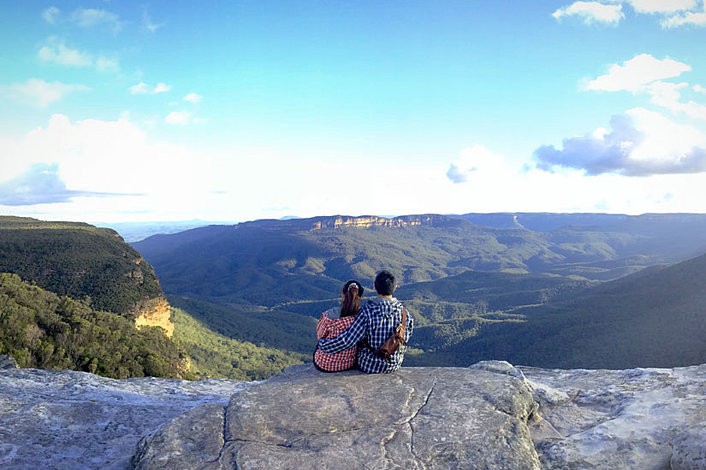 Couple overlooking the Blue Mountains