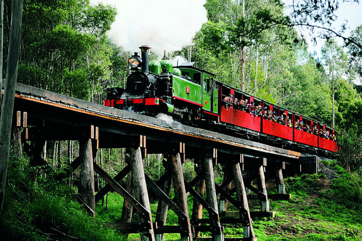 Puffing Billy on Trestle Bridge 1