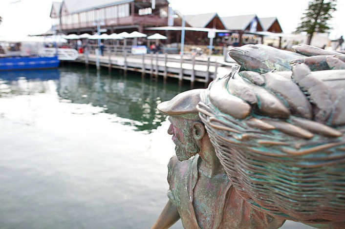 Explore the port town of Fremantle