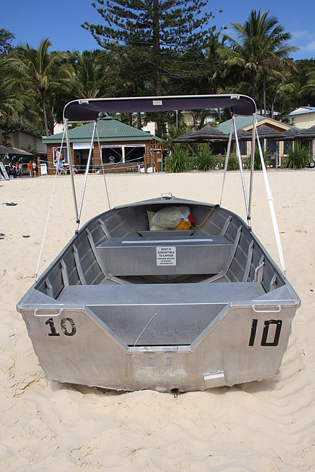 Motor Boat Hire with Adventure Moreton Island