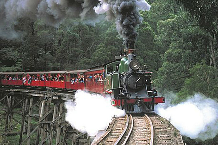 Puffing Billy crossing trestle bridge no 3
