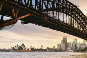 Opera House and Sydney harbour under the harbour bridge